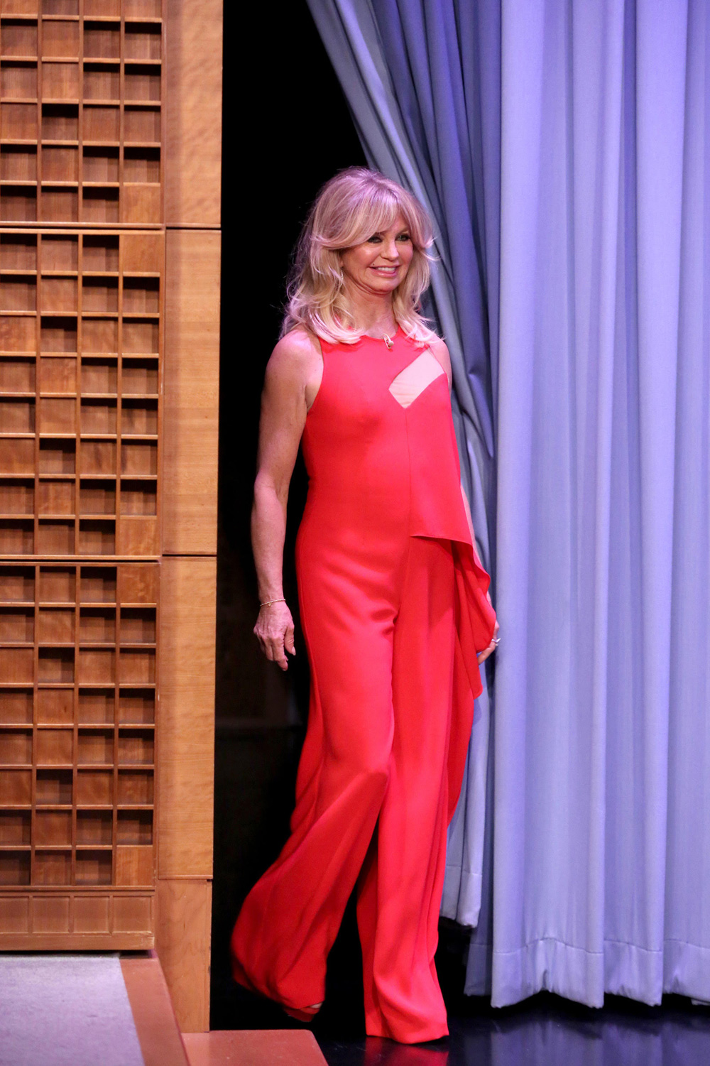 Goldie Hawn Wearing Edition By Georges Chakra On The