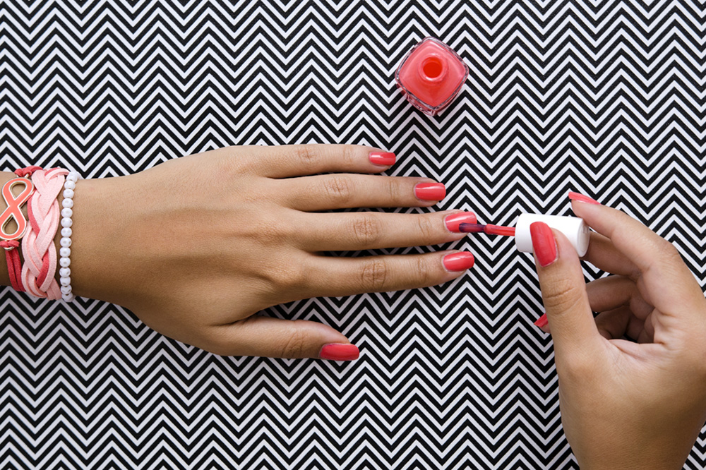 11 steps to make a diy manicure look salon perfect during eid roll rather than shake your nail polish instead of shaking your nail polish up and down hold the bottle vertically between your palms and rub your hands solutioingenieria Image collections