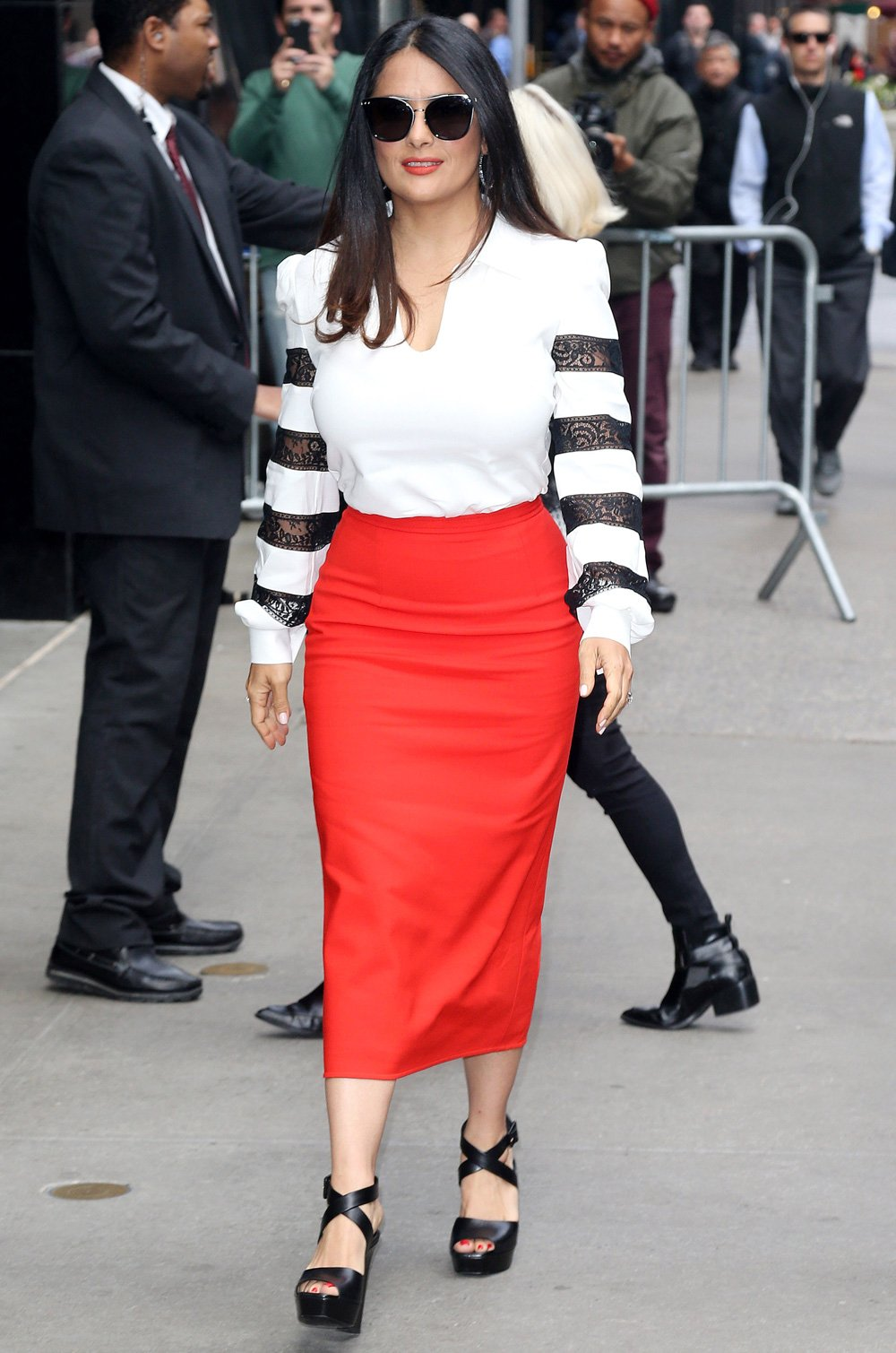 Salma Hayek Arrives In Style At 39 Good Morning America 39 Tv