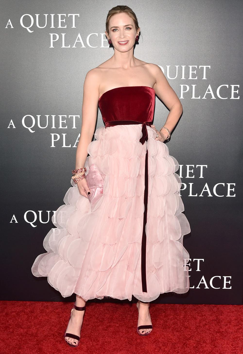 Emily Blunt in Oscar de la Renta for \'A Quiet Place\' Film Premiere ...