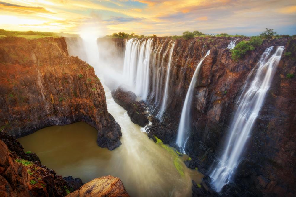 Amazing waterfalls around the world - Victoria Falls